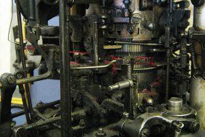 Strutt stocking machine