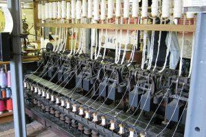 Strutt cotton frame